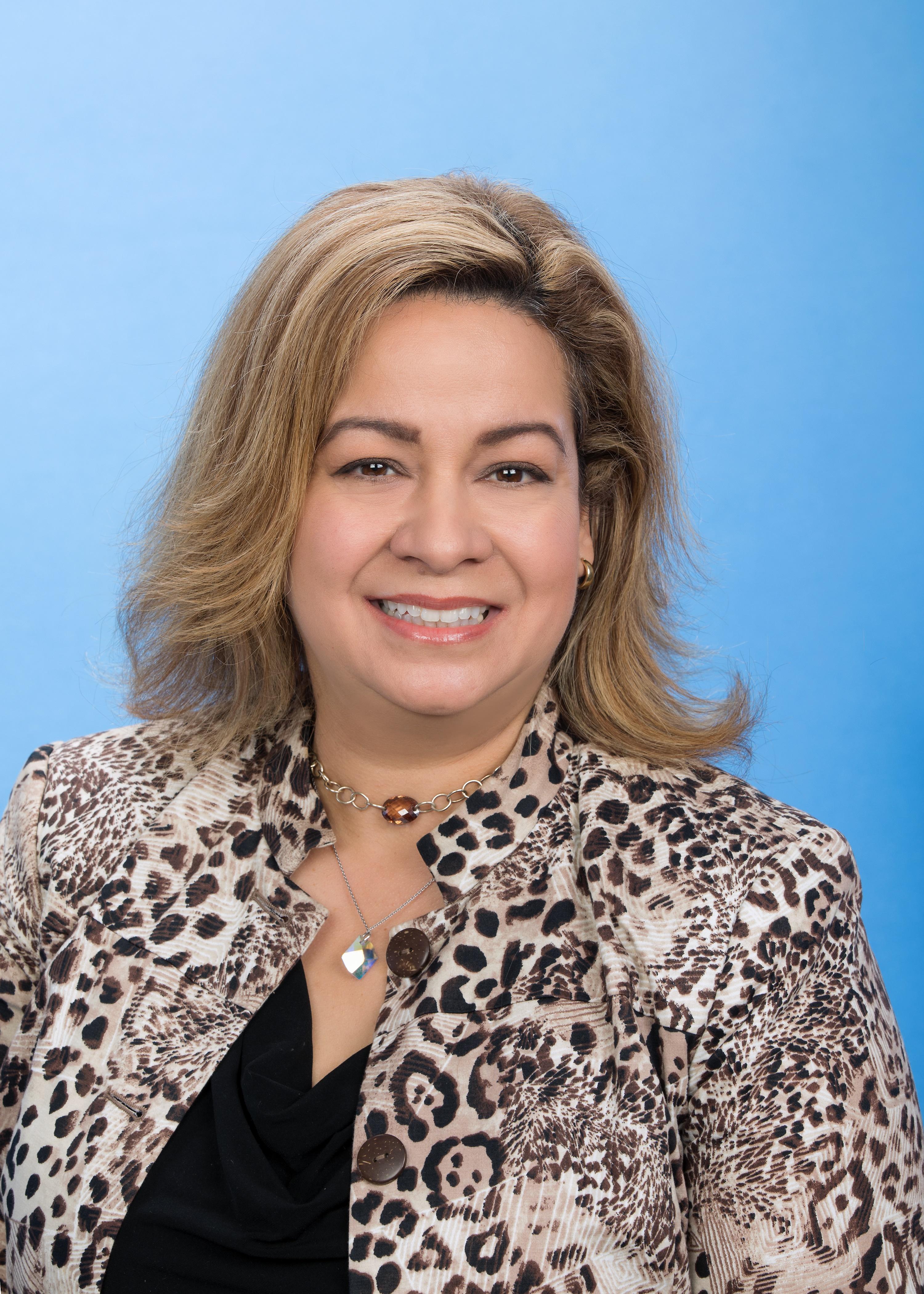 Marisela Caraballo DiRuggiero Headshot